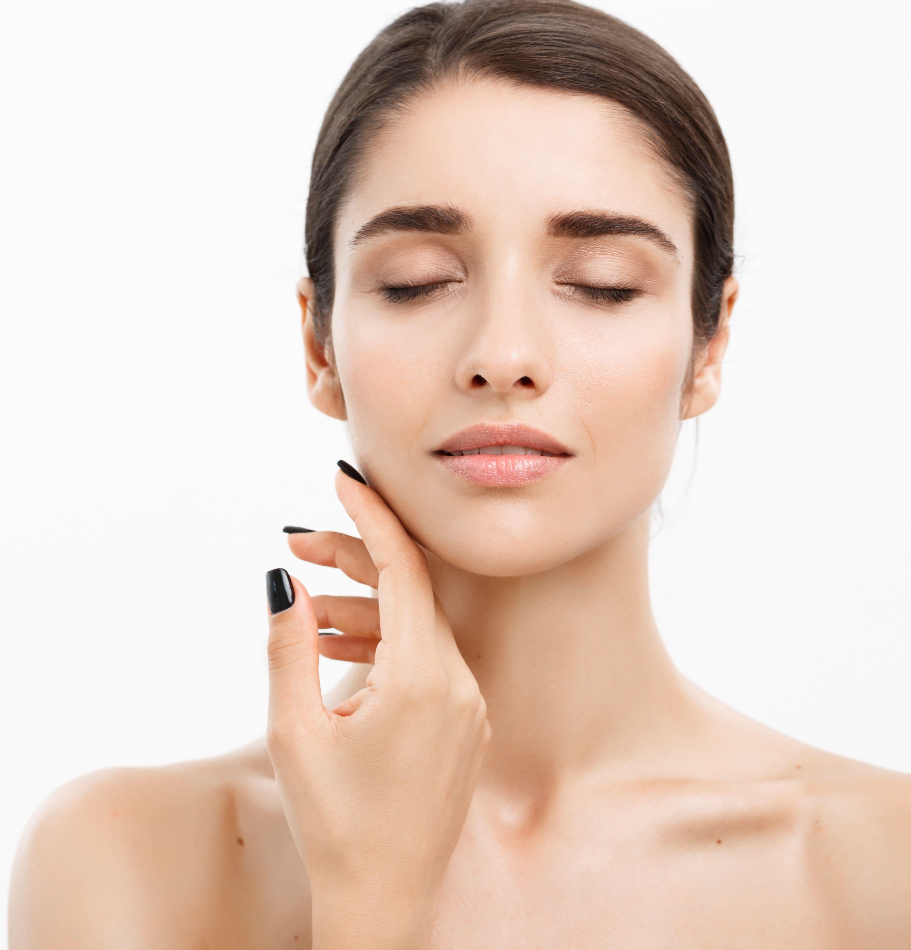 Gesichtsbehandlung für schöne Haut in jedem Alter
