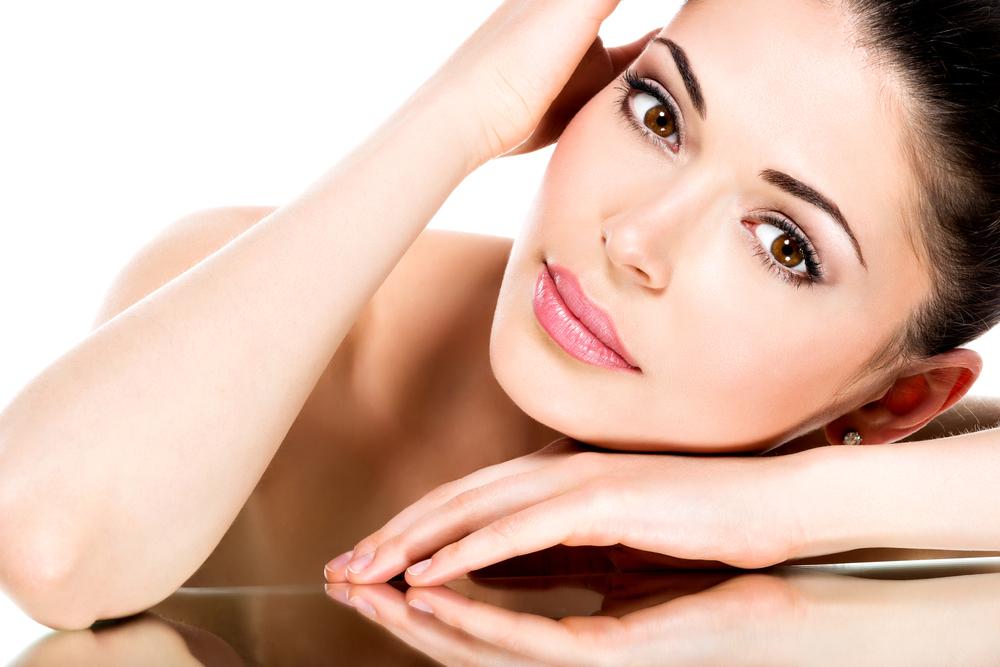Wirksame Gesichtsbehandlungen mit besten Ergebnissen. Gesichtsbehandlungen für unterschiedlicher Hautbedürfnisse. Gesichtsbehandlungen mit Langzeitwirkung in Berlin.